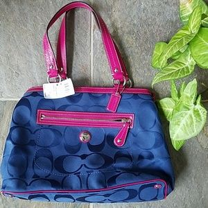 Coach Bags - 🆕️WT 👜 Coach Navy/Pink Laura Signature Carryall
